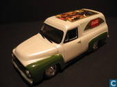 Modelauto's  - Johnny Lightning - Ford Panel Van 'Coca-Cola'