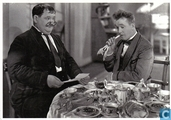 Postcards - Laurel and Hardy - P 308