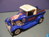 Modelauto's  - Johnny Lightning - Ford A Pick Up 'Coca-Cola'