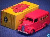 Modelauto's  - Dinky Toys - Trojan 15cwt Van 'Dunlop'