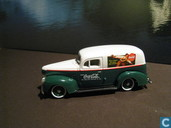 Modelauto's  - Johnny Lightning - Ford Sedan Delivery 'Coca Cola'