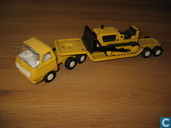 Model cars - Tonka - Tiny Tonka Lowboy and Dozer model #695