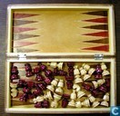 Spellen - Schaken - Schaak en backgammon  in houten cassette