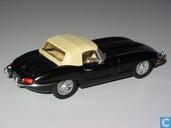 Modelauto's  - Corgi - Jaguar E-type