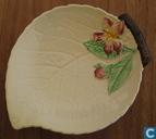 Ceramics - Australian Design - Carlton Ware 'APPLE BLOSSOM' LEAF pattern schaaltje