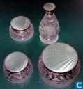 Glas / Kristall - Grün - 3 OUDE potjes & flesje met email deksel