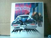 Disques vinyl et CD - Girlschool - Hit and run