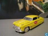 Modellautos - Johnny Lightning - Hudson Hornet 'Coca Cola'
