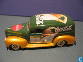 Modelauto's  - Johnny Lightning - Ford Sedan Delivery 'Coca-Cola'