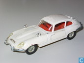 Model cars - Dinky Toys - Jaguar E-type 4.2 2+2
