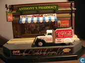 Voitures miniatures - Matchbox Int'l Ltd. - Dodge Airflow 'Coca-Cola' Diorama