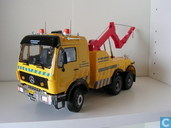 Mercedes-Benz Wrecker Truck