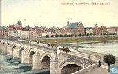Gezicht op de Maasbrug