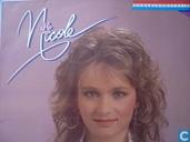 Nicole nederlandstalig