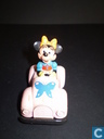 Minnie in auto