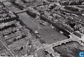 Luchtfoto Amstel met Amstelhotel