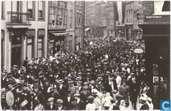 Zo was Dordrecht. Voorstraat omstreeks 1915. Stafmuziek Kon. Marine