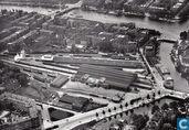 Luchtfoto Mauritskade en Weesperpoortstation