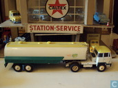 UNIC Air Fuel tanker BP