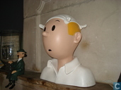 Bust of Tintin in the handkerchief