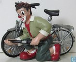 bike with clown at front wheel (Flat feet)