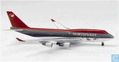 Northwest - 747-400 (01)