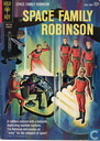 Space Family Robinson 6
