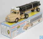Unic Pipe Truck