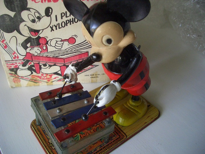 MARX LARGE SIZE PLASTIC/METAL WIND UP MICKEY XYLOPHONE PLAYER. 1950'S