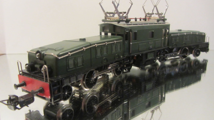 Märklin H0 - 3015 - Crocodile, legendary Swiss loc.