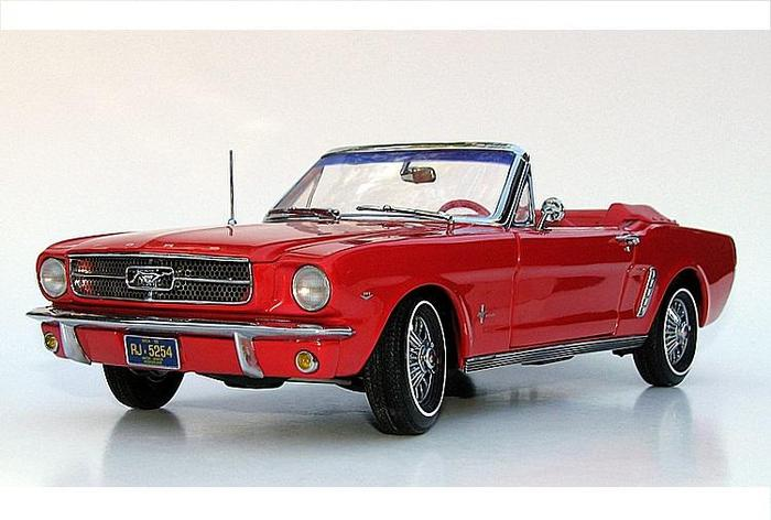 ertl precision 100 scale 1 18 1964 1 2 ford mustang convertible red catawiki. Black Bedroom Furniture Sets. Home Design Ideas