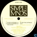 Disques vinyl et CD - Simple Minds - Alive and Kicking