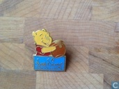 Winnie the pooh WDCC pin