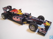 Red Bull RB7 - Renault