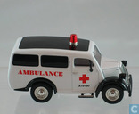 Modellautos - Matchbox Collectibles - Ford E83W Ambulance 'A19190'