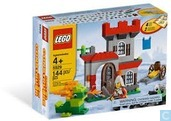 Lego 5929 Knight and Castle Building Set