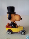 Snoopy in car