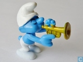 Trumpet Smurf (yellow)