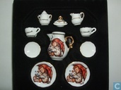 Dinnerware Set miniature Hummel