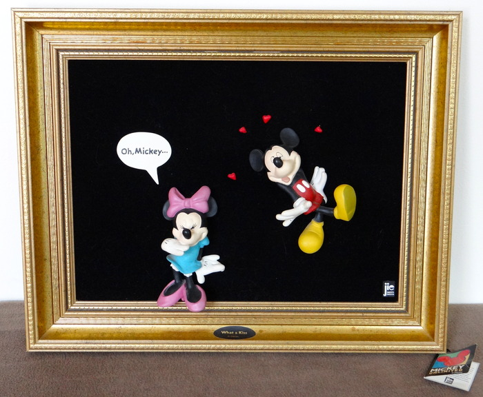 Mickey Mouse - 3D Golden Frame - What a Kiss - Jie Disney Art Collection