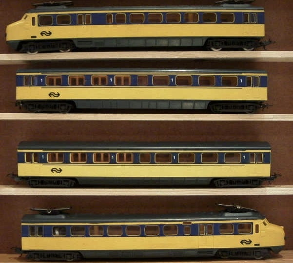 Lima 149709 H0 set 4-piece Dutch train