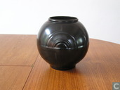 Art Deco vase Kennemer Potterie
