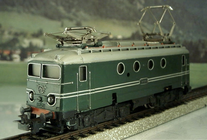Märklin H0-3012-3 (SEF 800)-French electric locomotive BR 10000