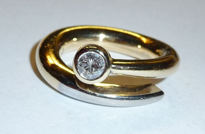 Diamantring 750 Gold 18 K Diamant im Brillantschliff 0,25 ct