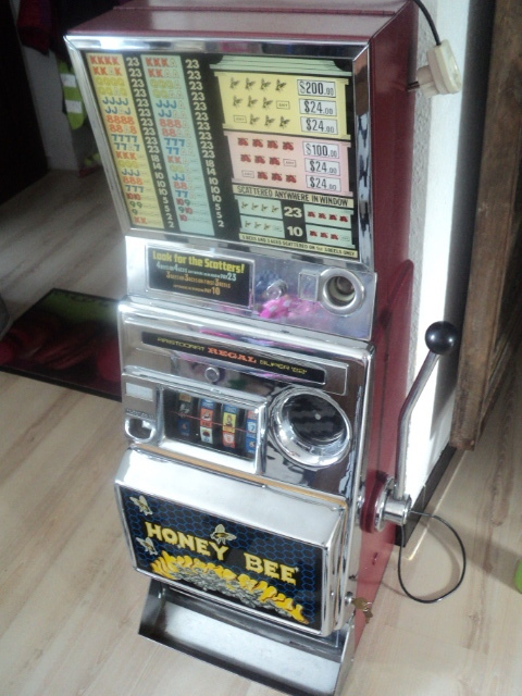 Vintage aristocrat slot machines vig gambling definition