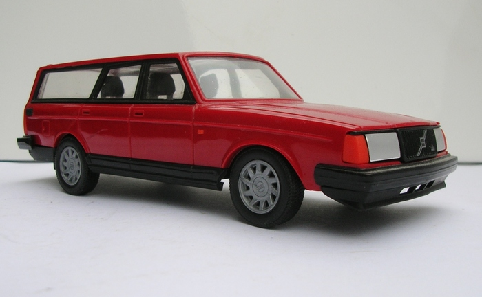 Emek Scale 1 20 Volvo 240 Gl Estate Promotional Model