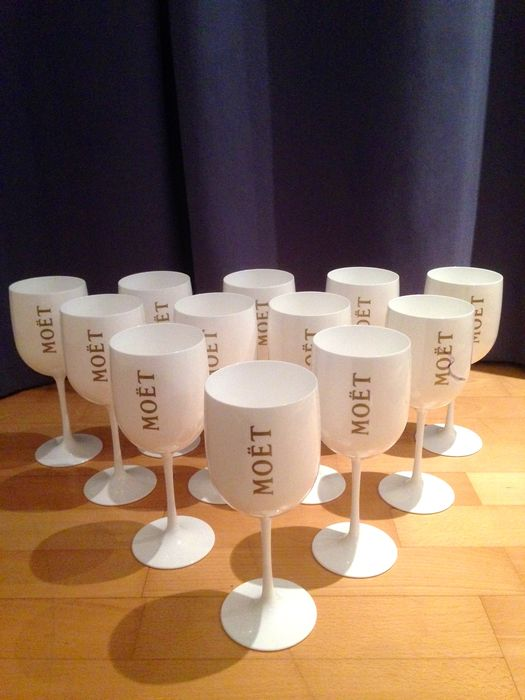 12 X Moet Chandon ice imperial glasses