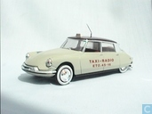 Citroën DS 19 Taxi Radio
