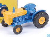 Model cars - Matchbox - Ford Tractor