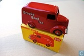 "Trojan 15 CWT Van ""Brooke Bond Tea"""